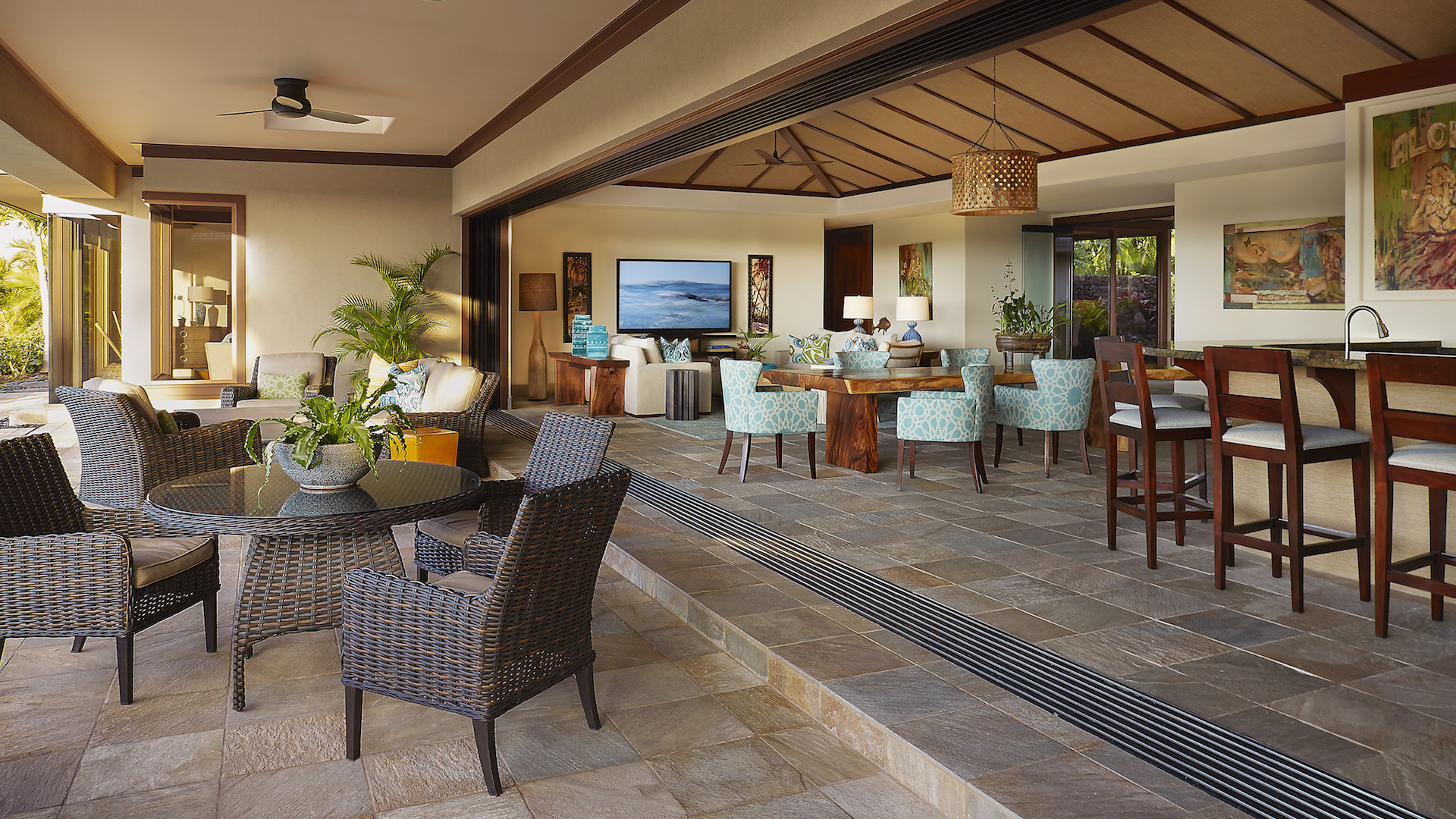 Alternate view of lanai with pocket doors, looking toward living room.