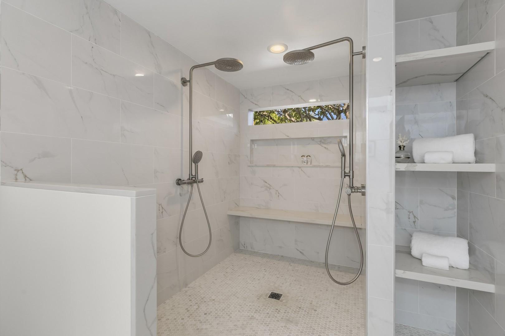 Master Ensuit e with extra large shower