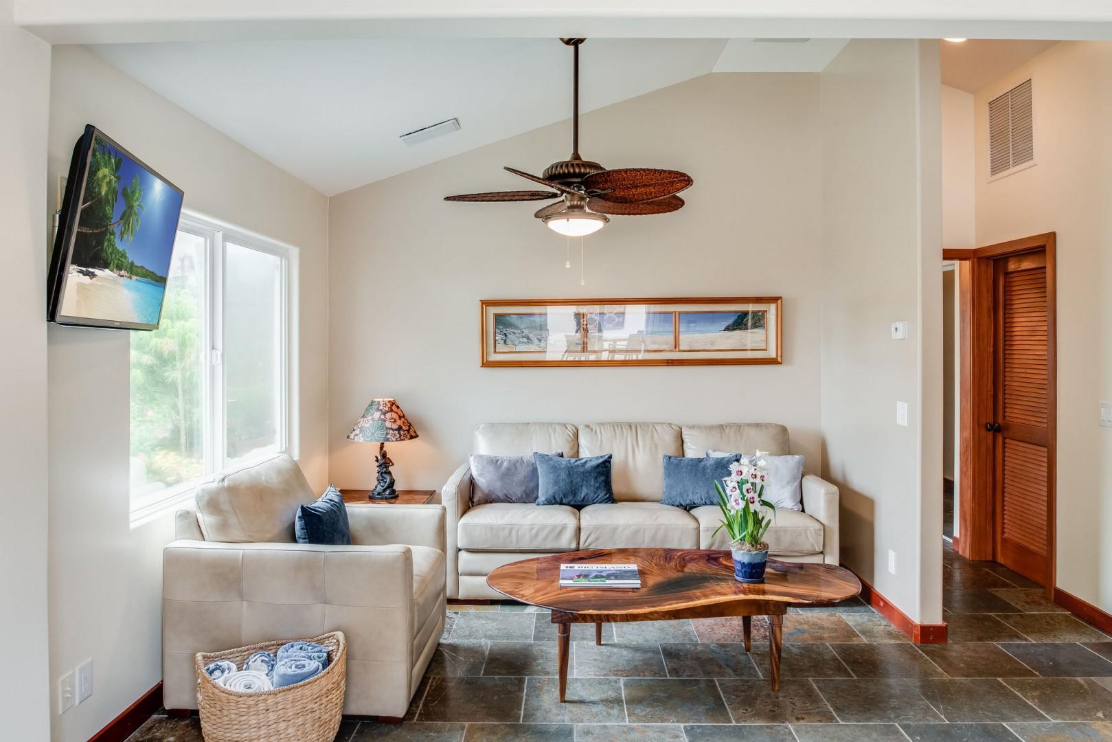 Hale Kahakai Living room