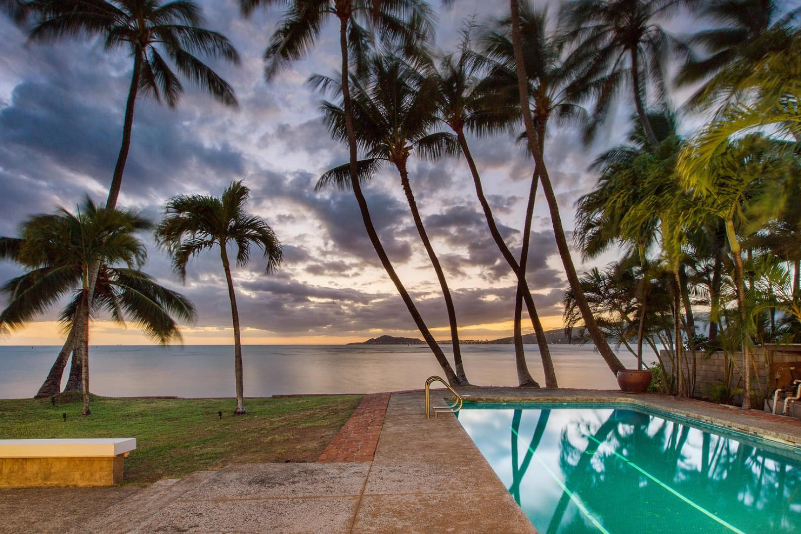 Welcome to Hale Kai! Where the ocean waves calm your soul.