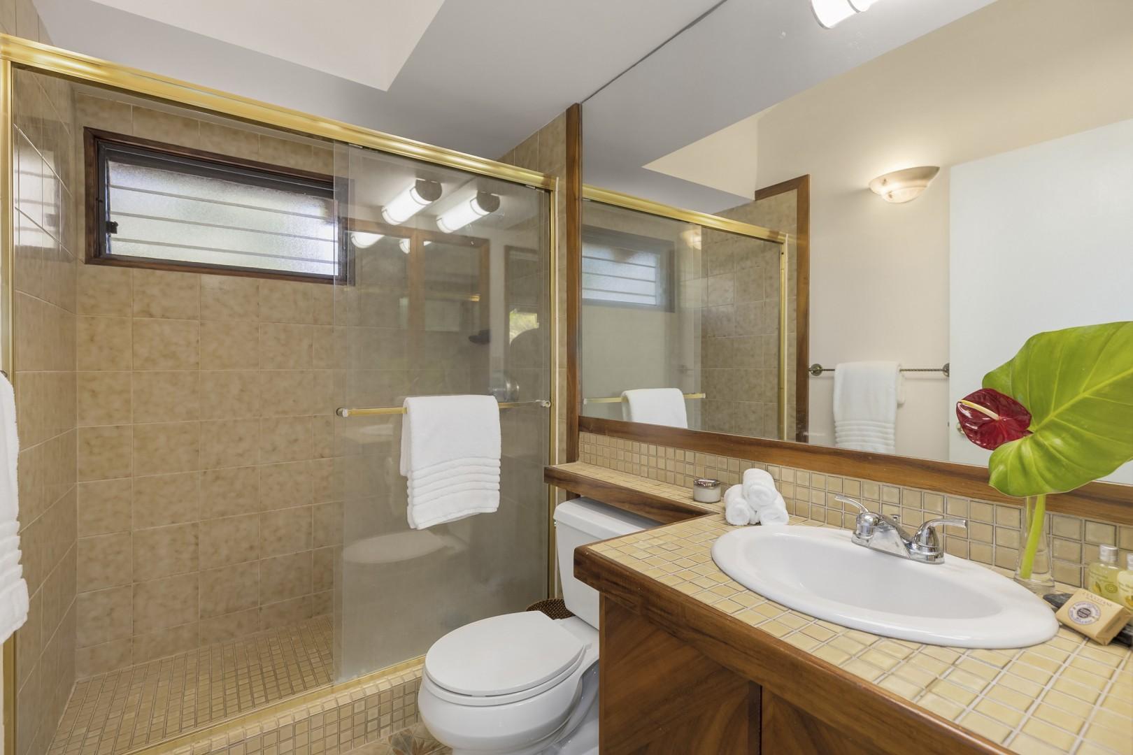Ensuite Bathroom to Upstairs Guest Bedroom