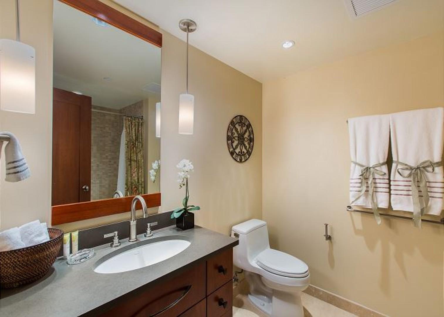 2nd Bathroom has combination shower/tub