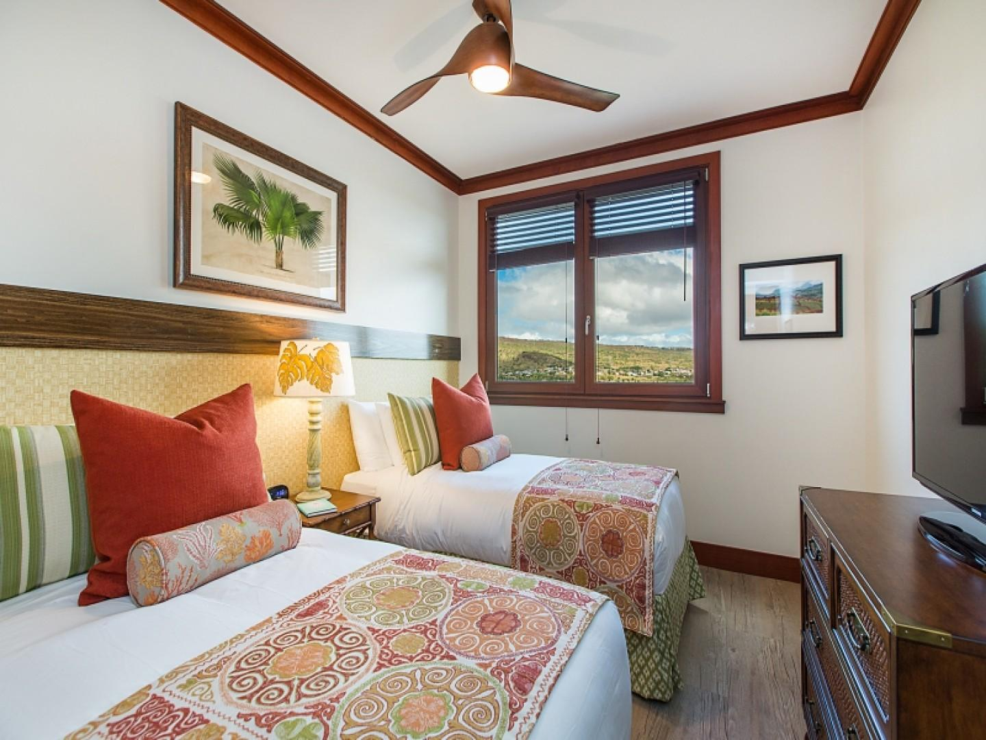 3rd bedroom with 2 twin beds that can be converted into a King size bed upon request
