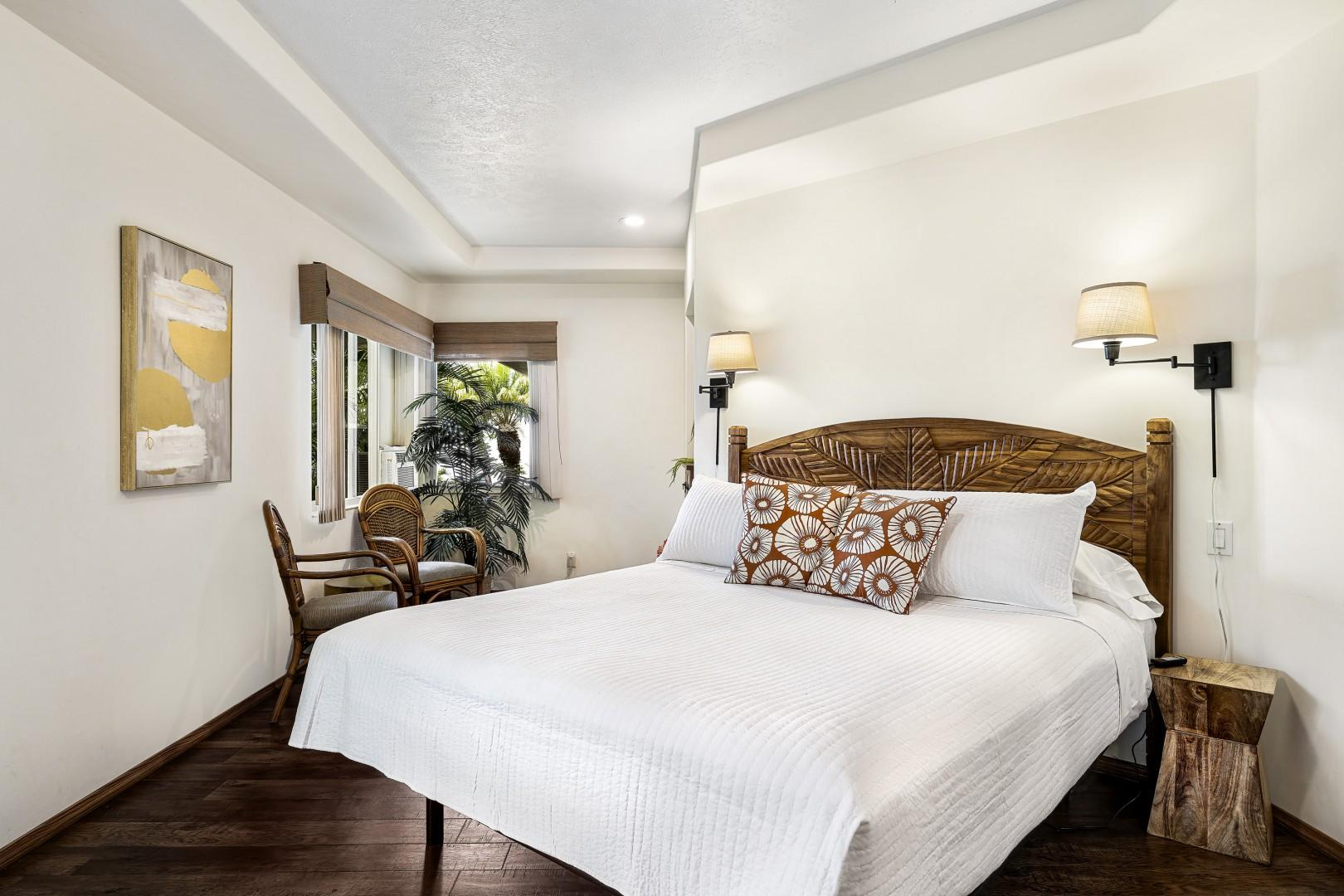Looking for a same to read a nice book? the Master bedroom has just the place!