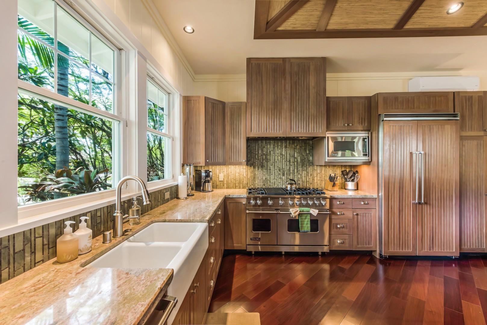 Spacious Gourmet Kitchen w/ Viking Appliances, Gas Range and Two Sinks,