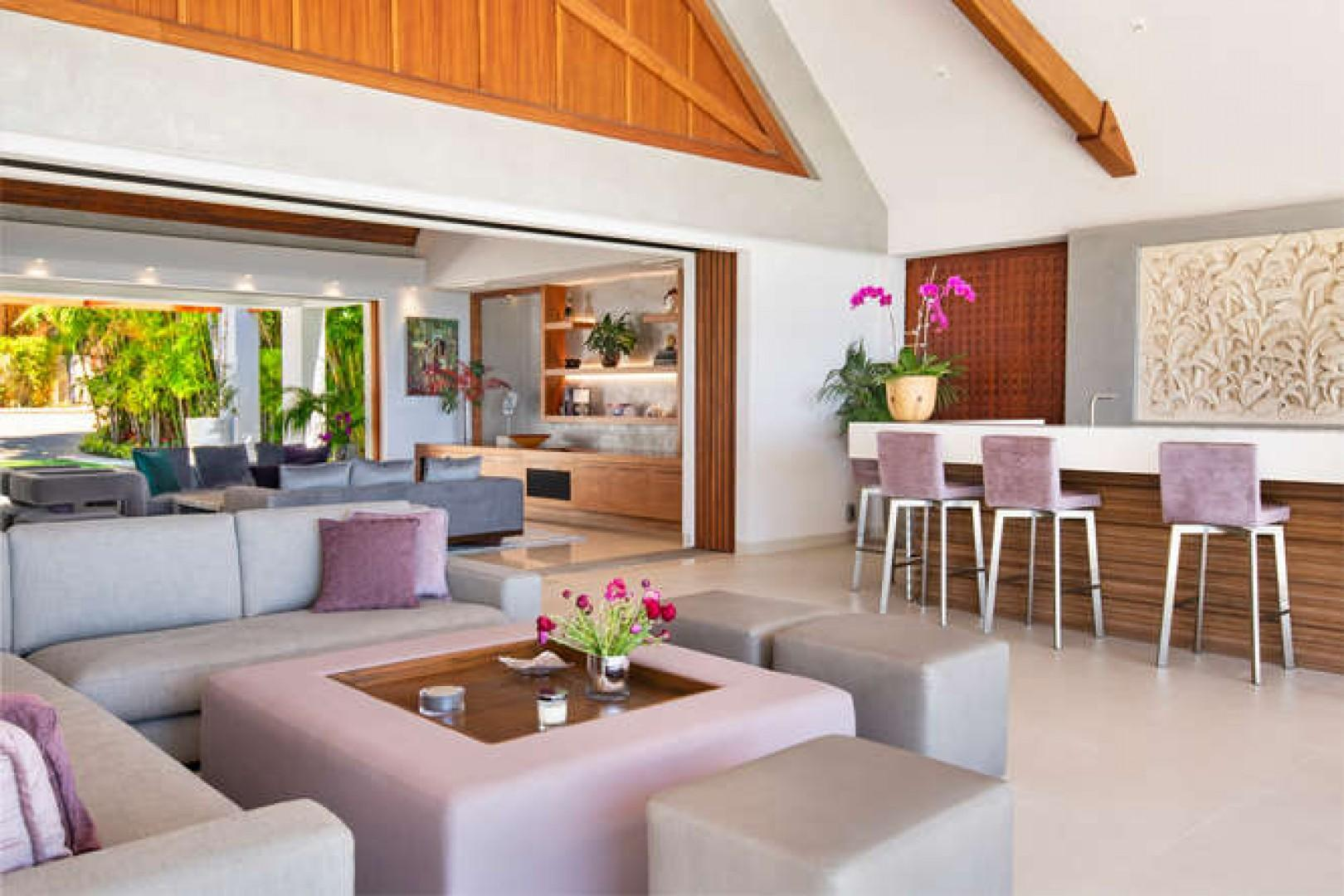 Outside lounge with bar