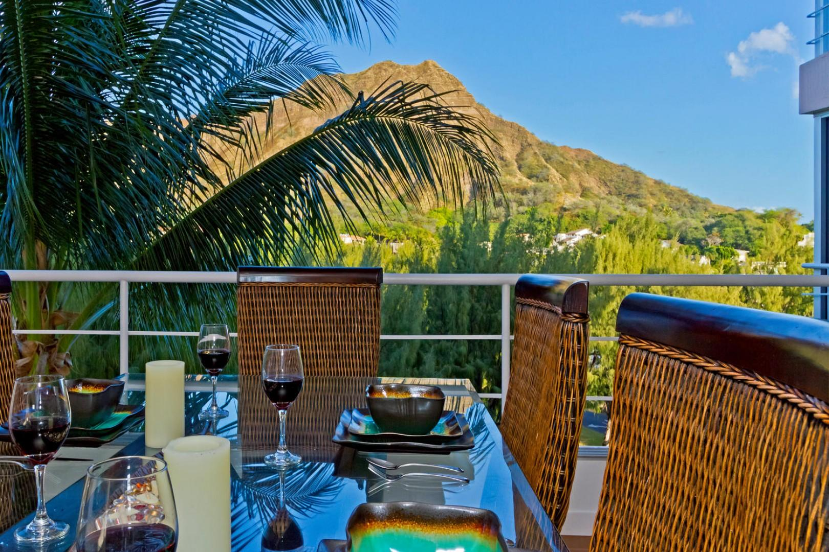 Exquisite Diamond Head views with floor-to-ceiling windows, for an indoor/outdoor living experience.