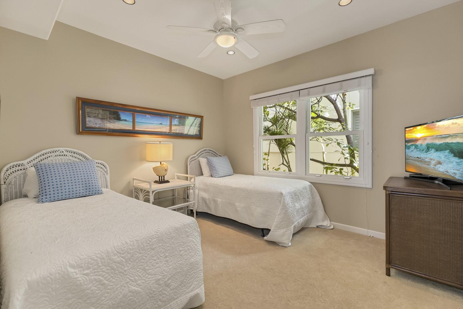 Guest Bedroom with two twin beds.