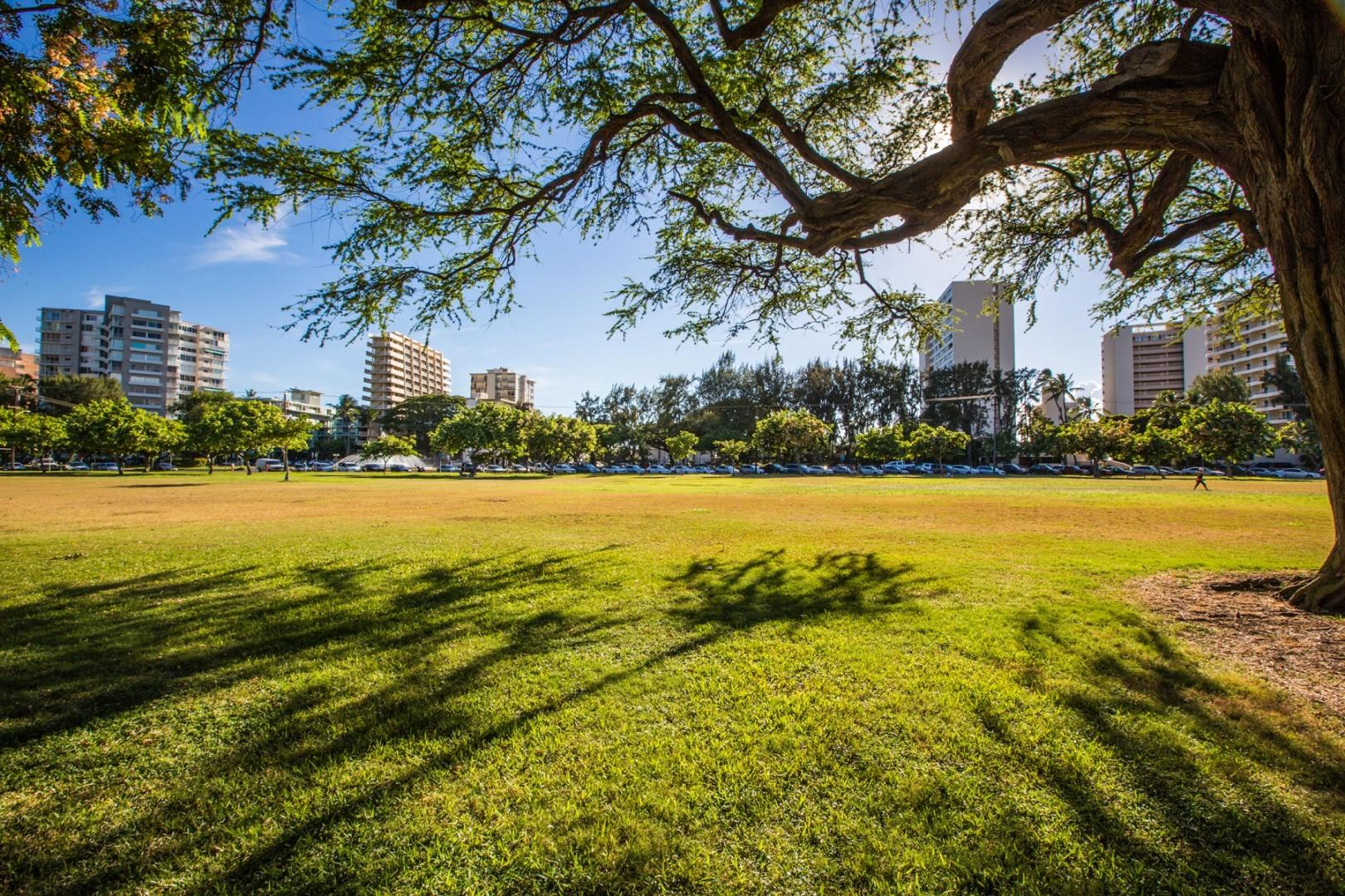 Not only will you be steps to the beach but you are also steps to Kapiolani Park, where you can head out for a picnic, play some kickball, or enjoy a run around the loop.