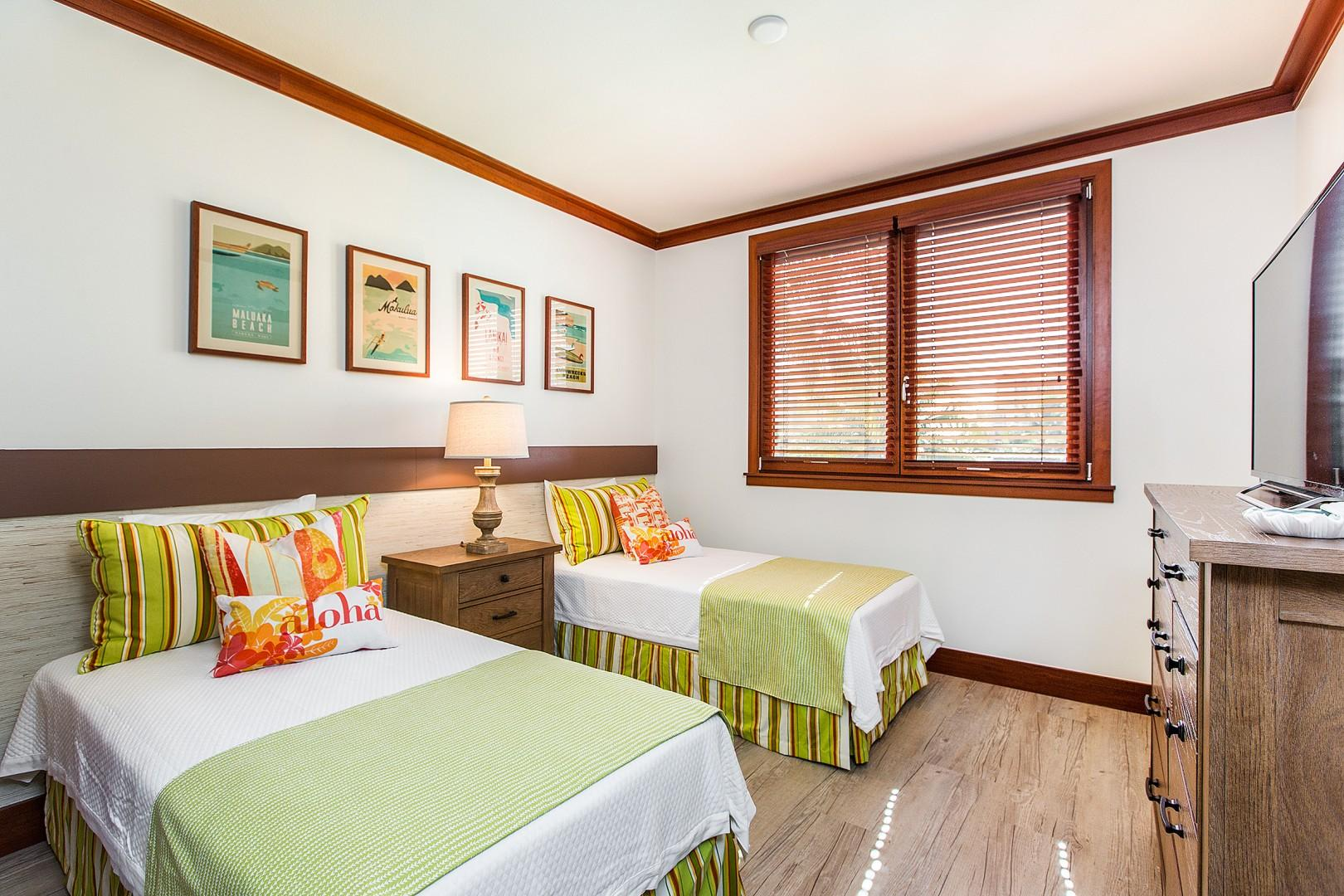 2nd bedroom with two twin beds. Can also be converted to king upon request