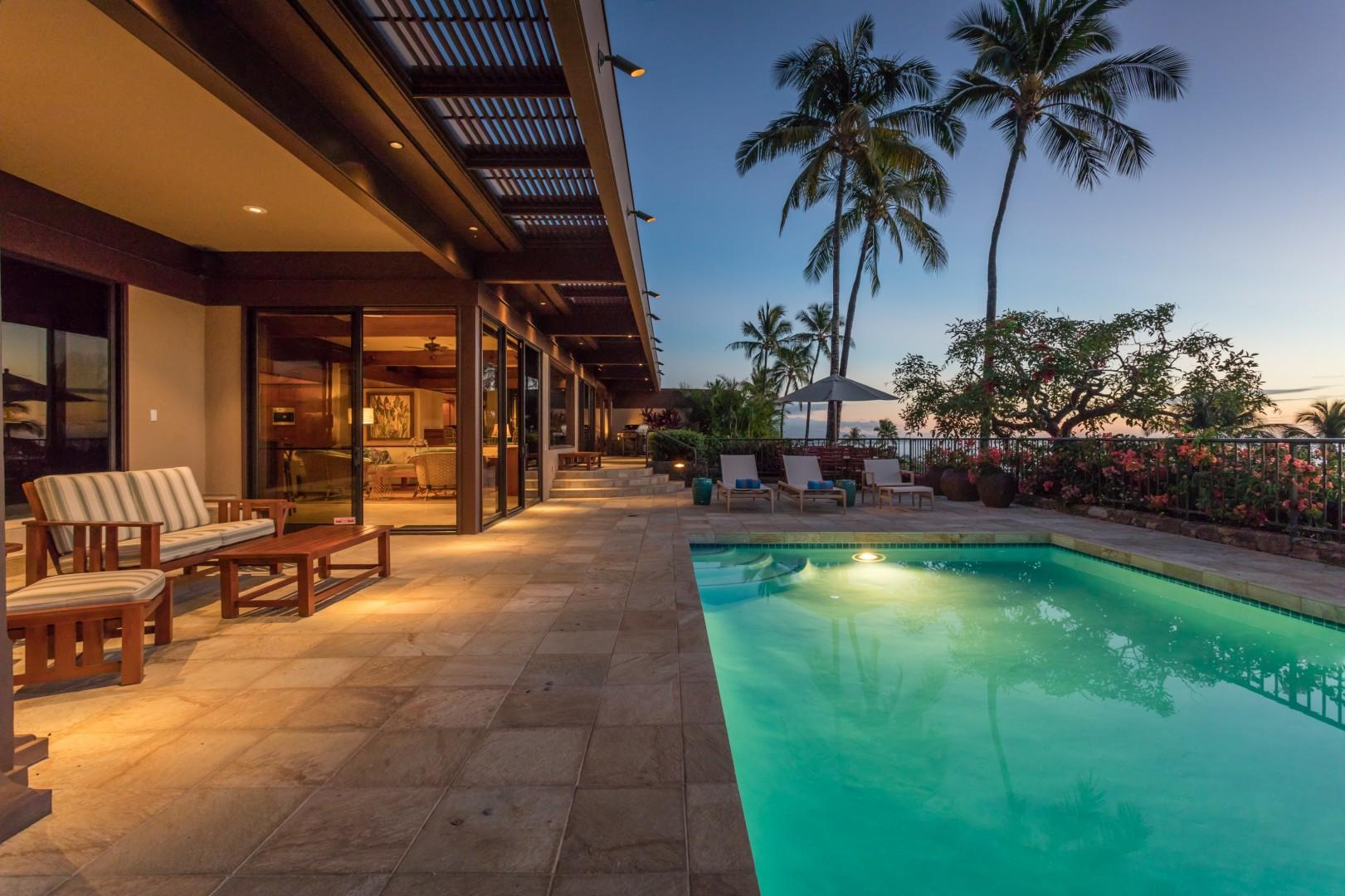 Palm Trees, Sunsets & Spacious Outdoor Living Area in your Slice of Paradise.
