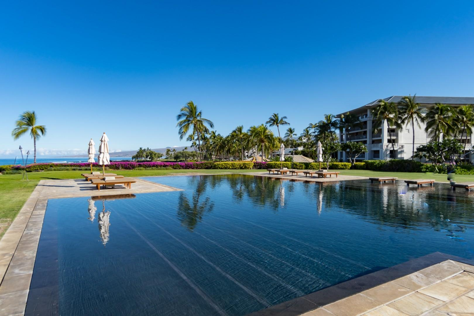Pauoa Beach Club pool