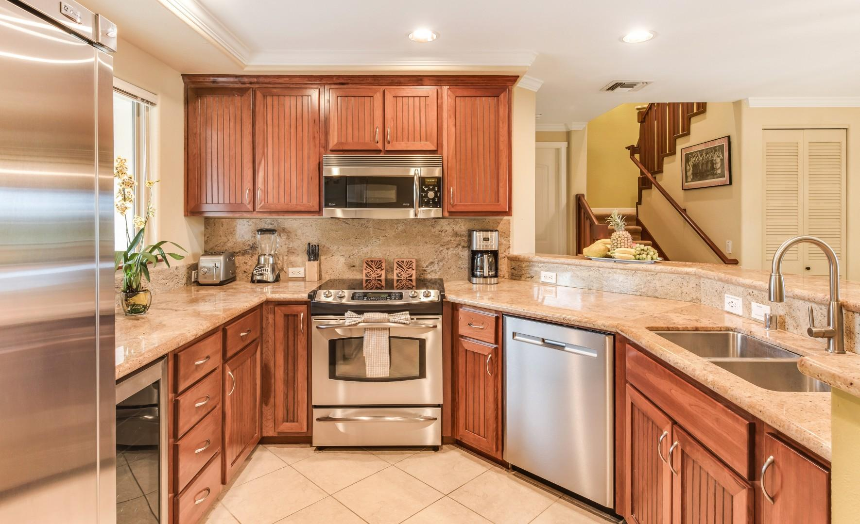 Well-Equipped Kitchen w/ Stainless Steel Appliances & Double Sink