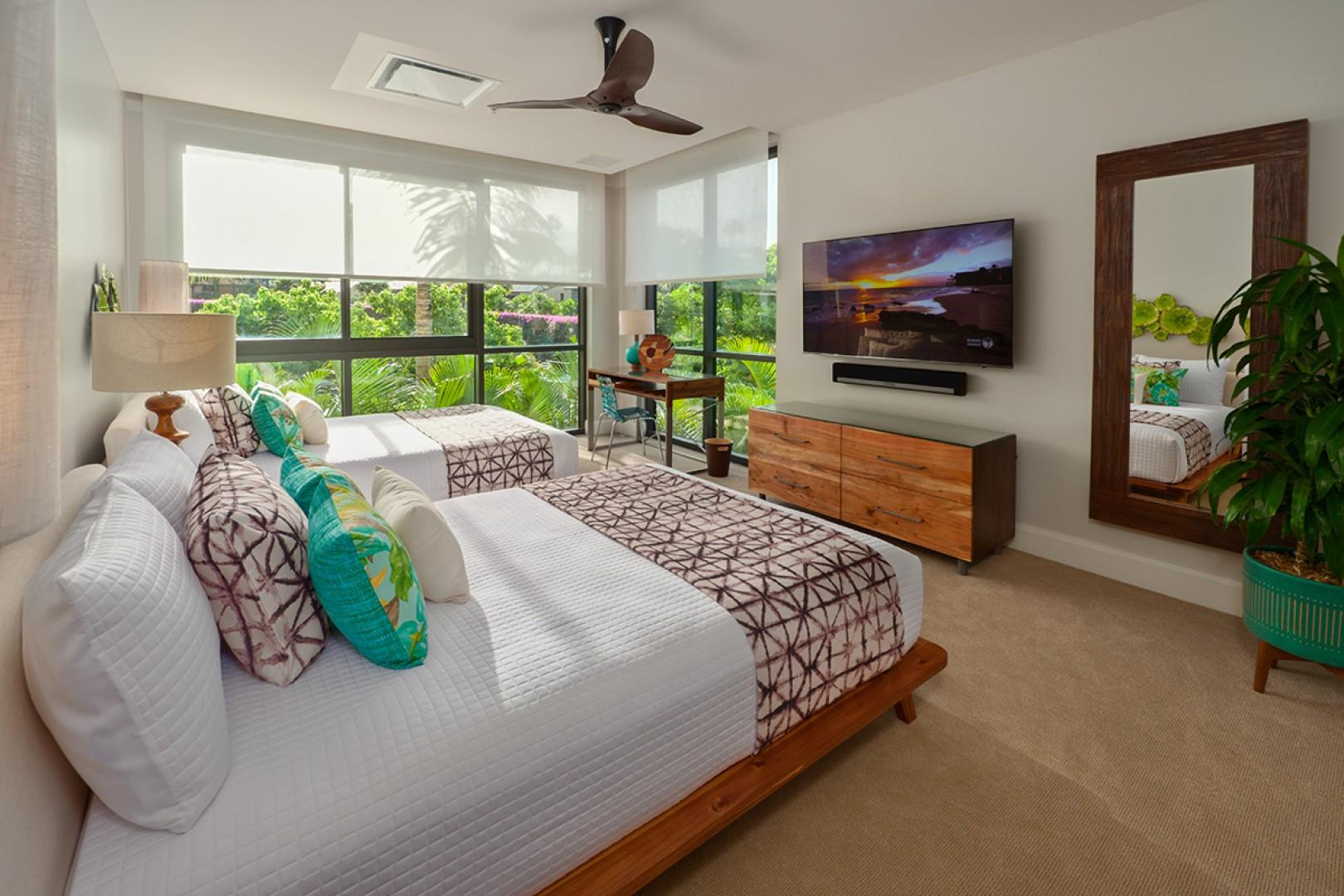 Third Bedroom Suite - Tropical Floral Garden View, Desk, 65