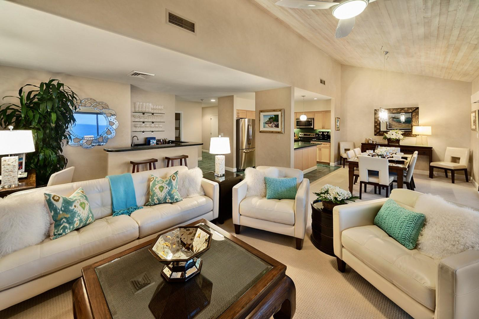 Sunny Surf E301 - Beach View Great Room with Vaulted Ceilings and Entertainment System and Wet-Bar
