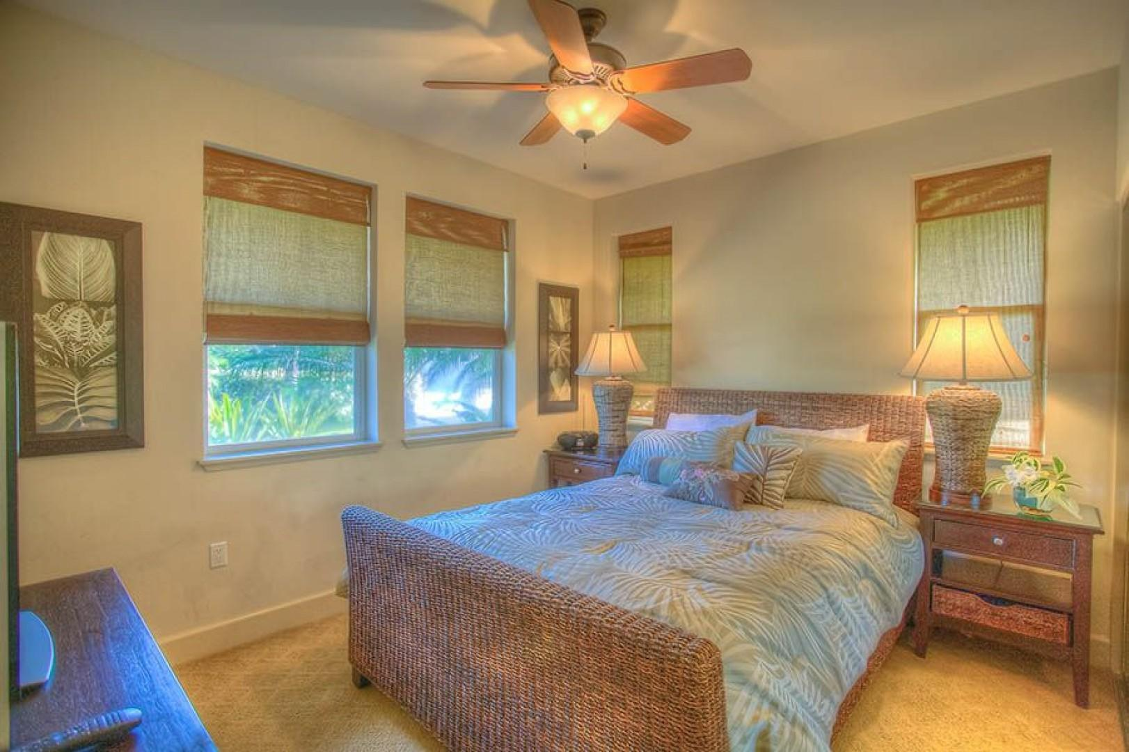 Bedroom 3, Queen bed with tropical views and 37