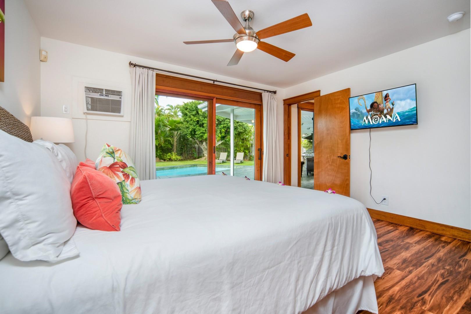King bedroom off the pool deck.