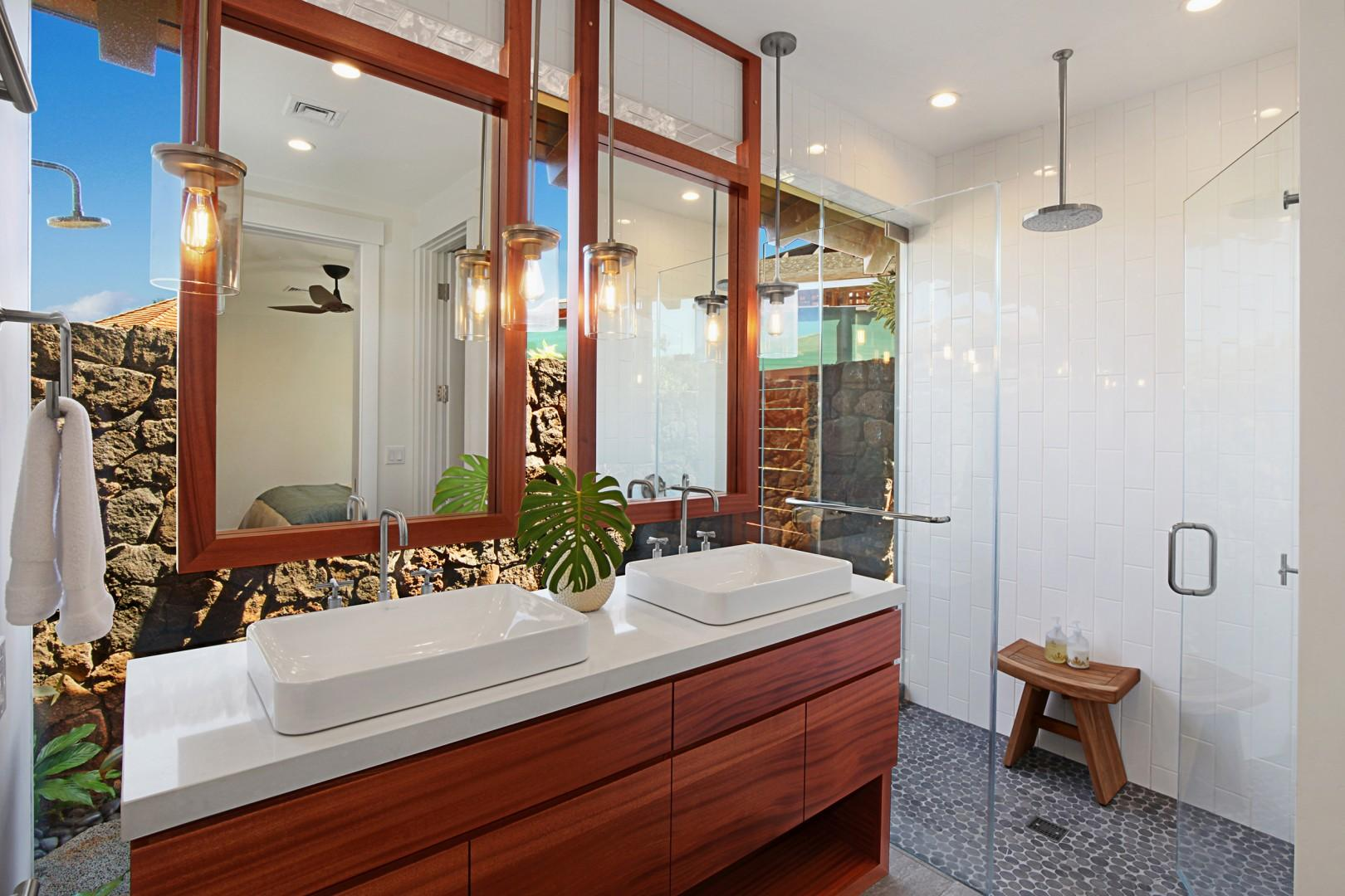 Guest bathroom 3 with outdoor lava rock shower