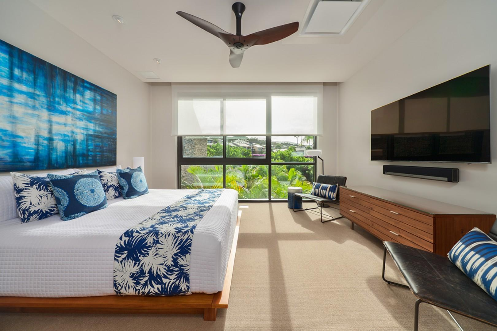 Second King Bedroom Suite with Tropical Floral Garden View, 65