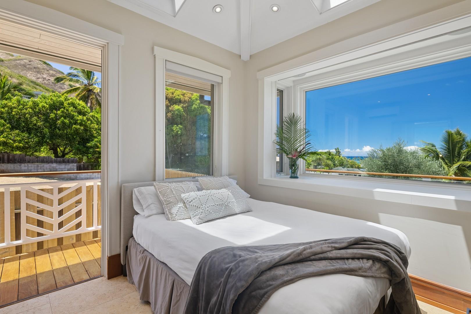 Guest Bedroom Queen Size Ocean View