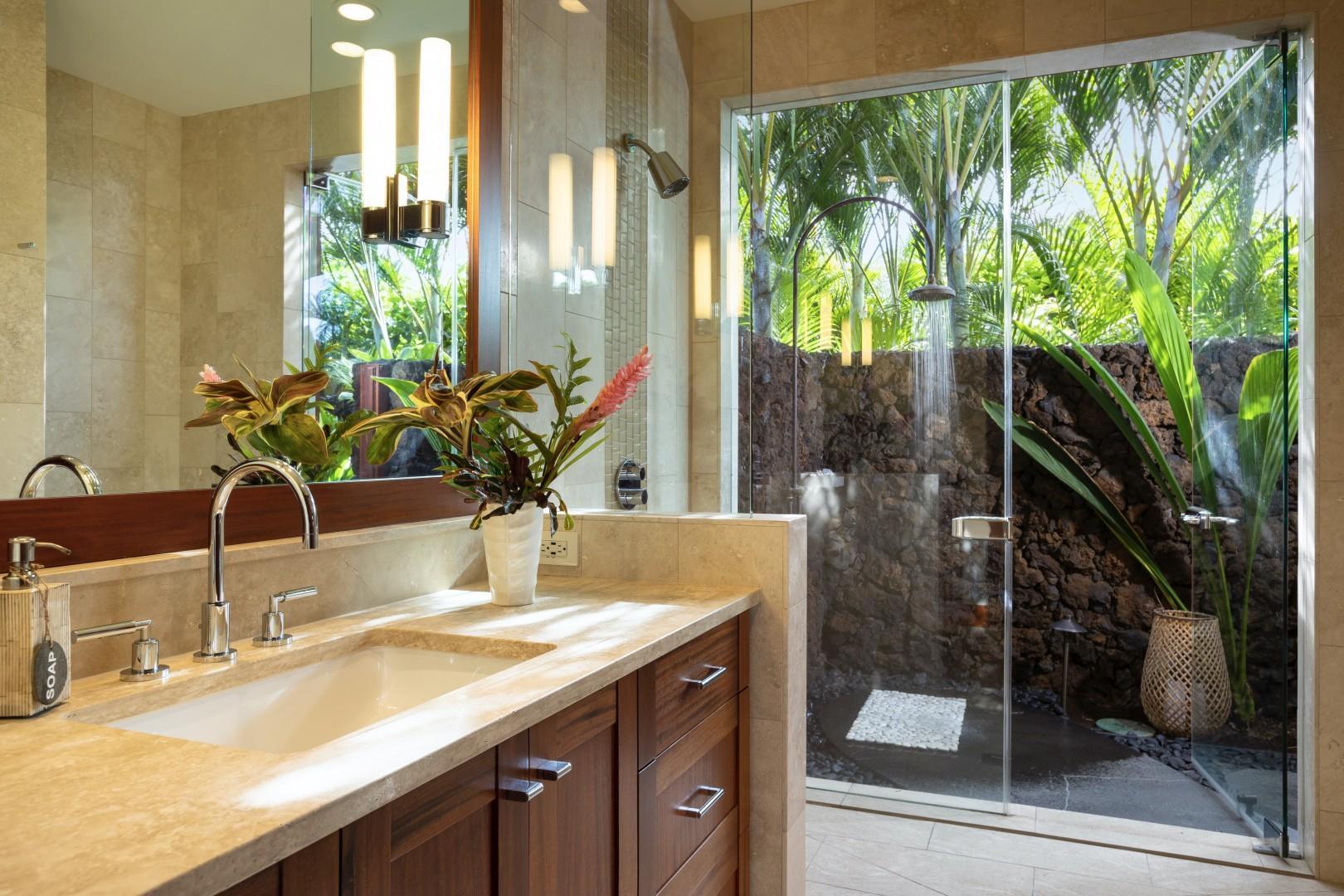 Guest bedroom en-suite bath with indoor and outdoor showers.