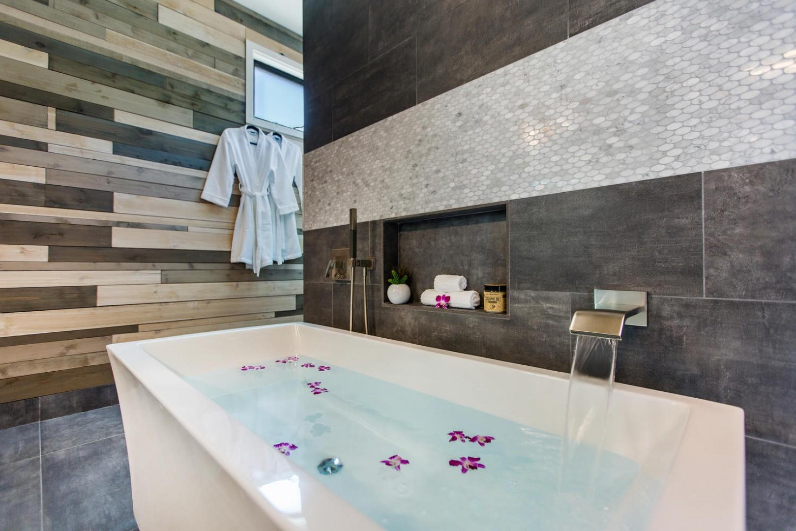Come relax in this luxurious master bath, complete with a steam shower!