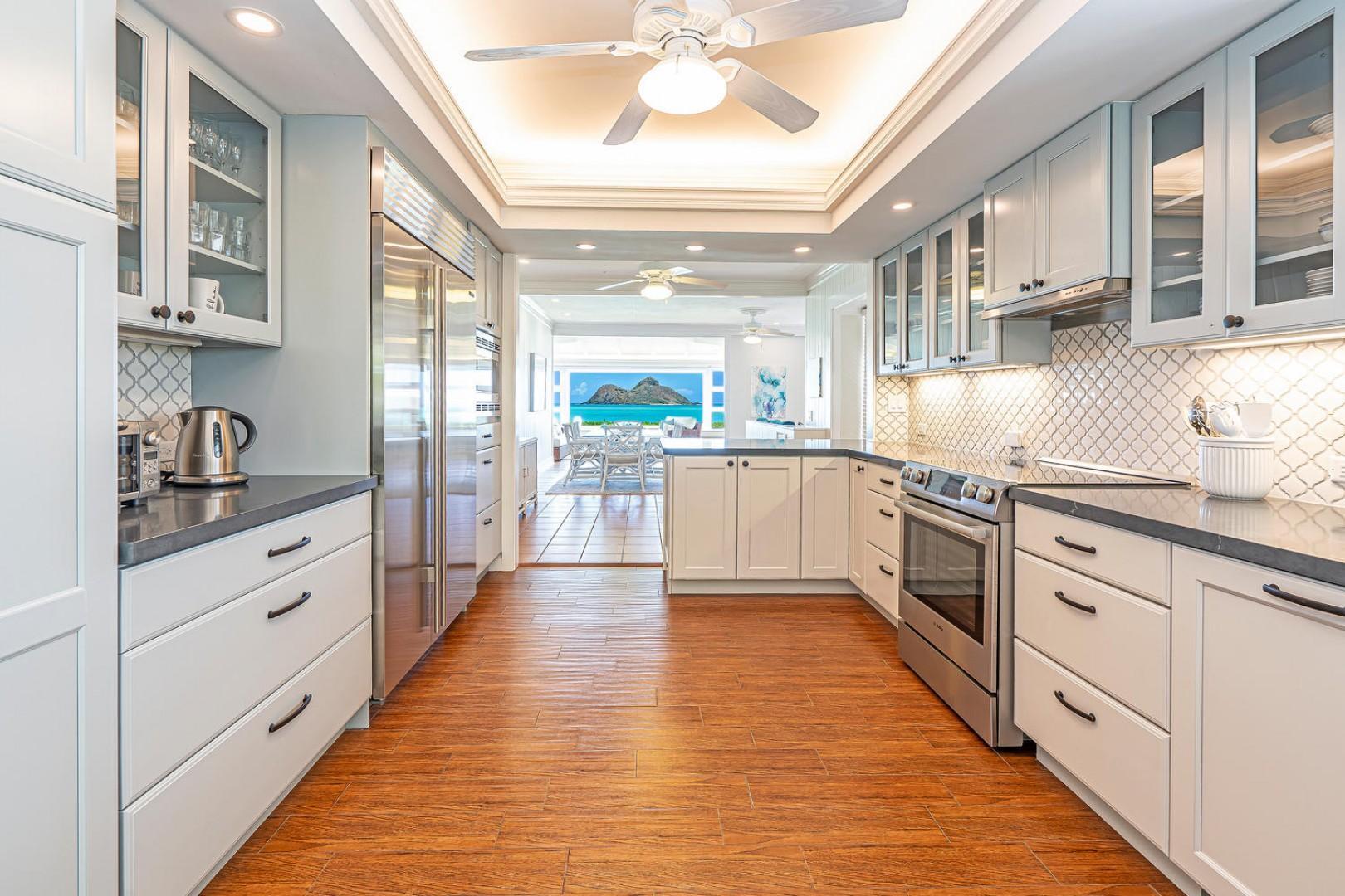 Lanikai Seashore Kitchen
