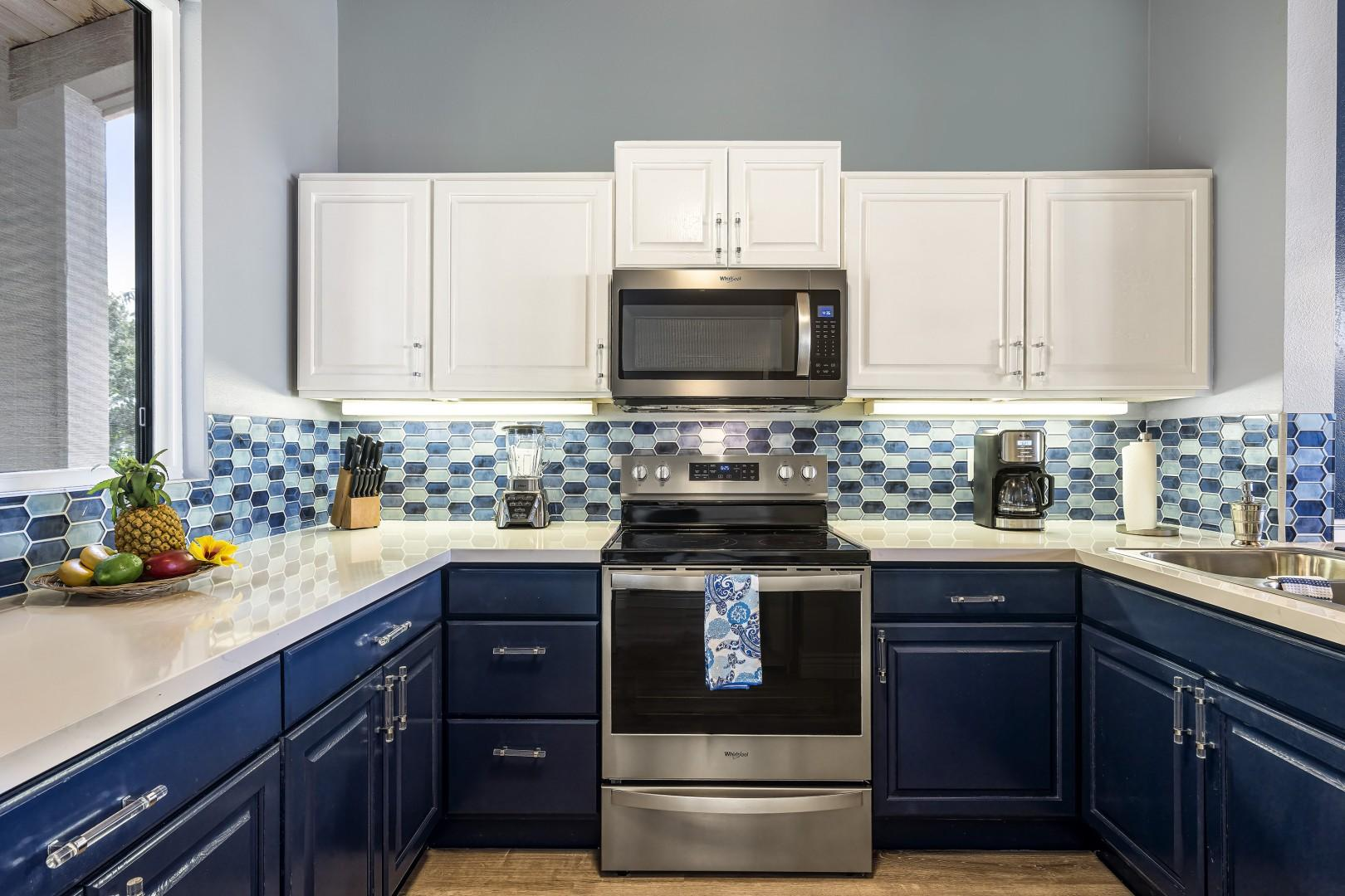 Upgraded kitchen with everything you could need to prepare your favorite meals while in Hawaii!