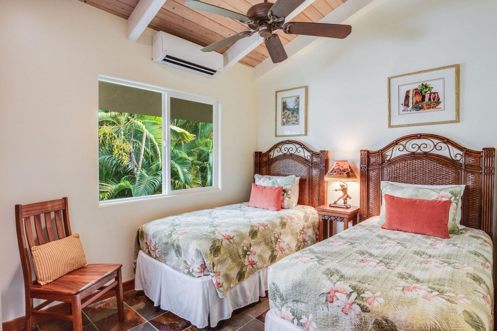 Hale Honu guest bedroom featuring 2 Twin beds