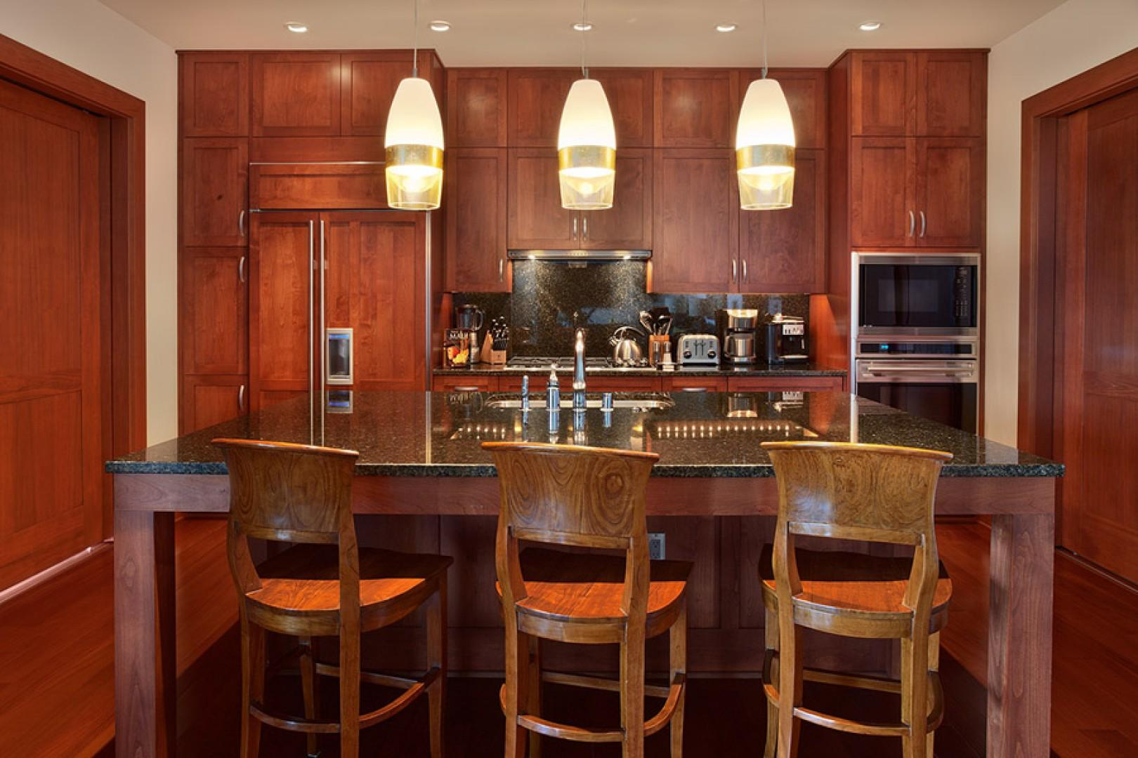 Sea Mist Villa 2403 - Gourmet Kitchen Convenient to Dining and Living Areas