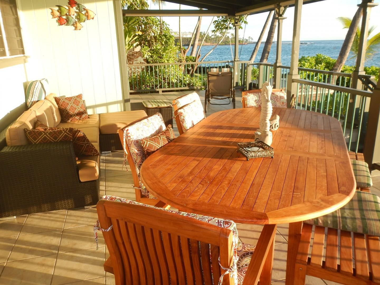 Large outdoor dining with views of Kahalu'u Bay!