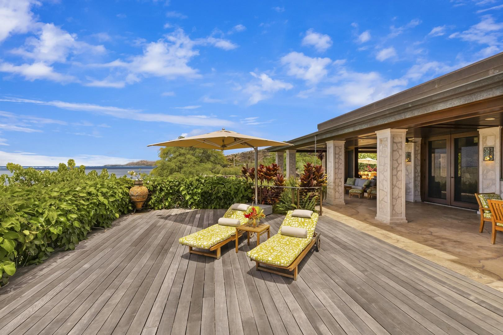 Private Sun Deck connects to spacious covered lanais