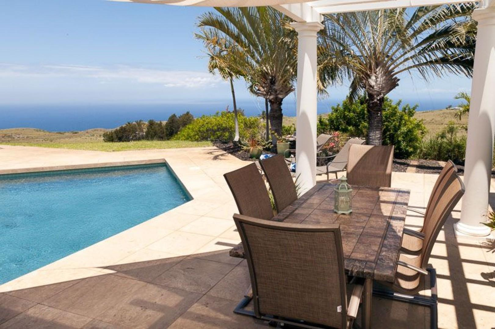 Oceanview covered outdoor alfresco dining for 6