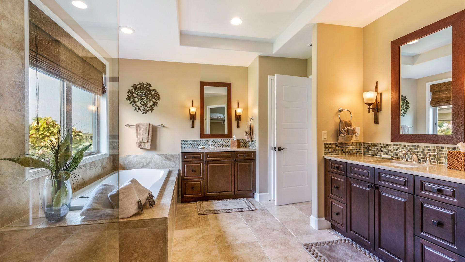 Master bath, with dual sinks, large soaking tub, and separate walk-in shower.