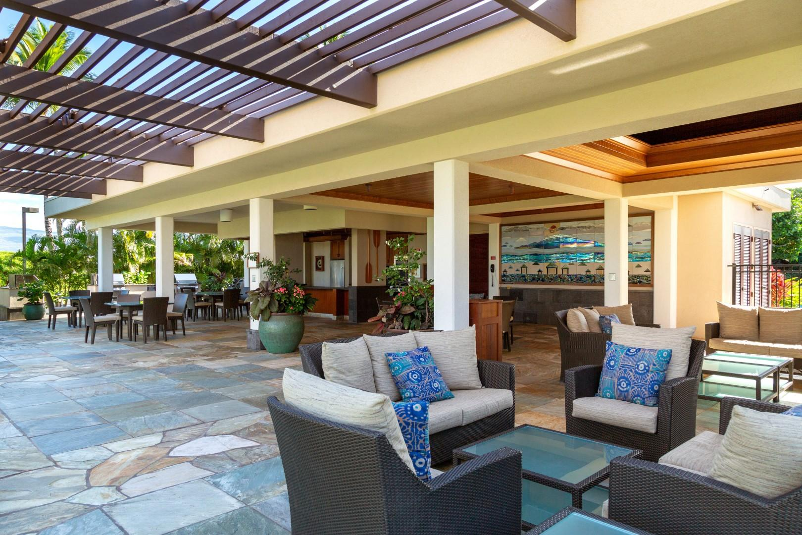 Enjoy BBQ's, a kitchen area and loung areas too at the clubhouse.