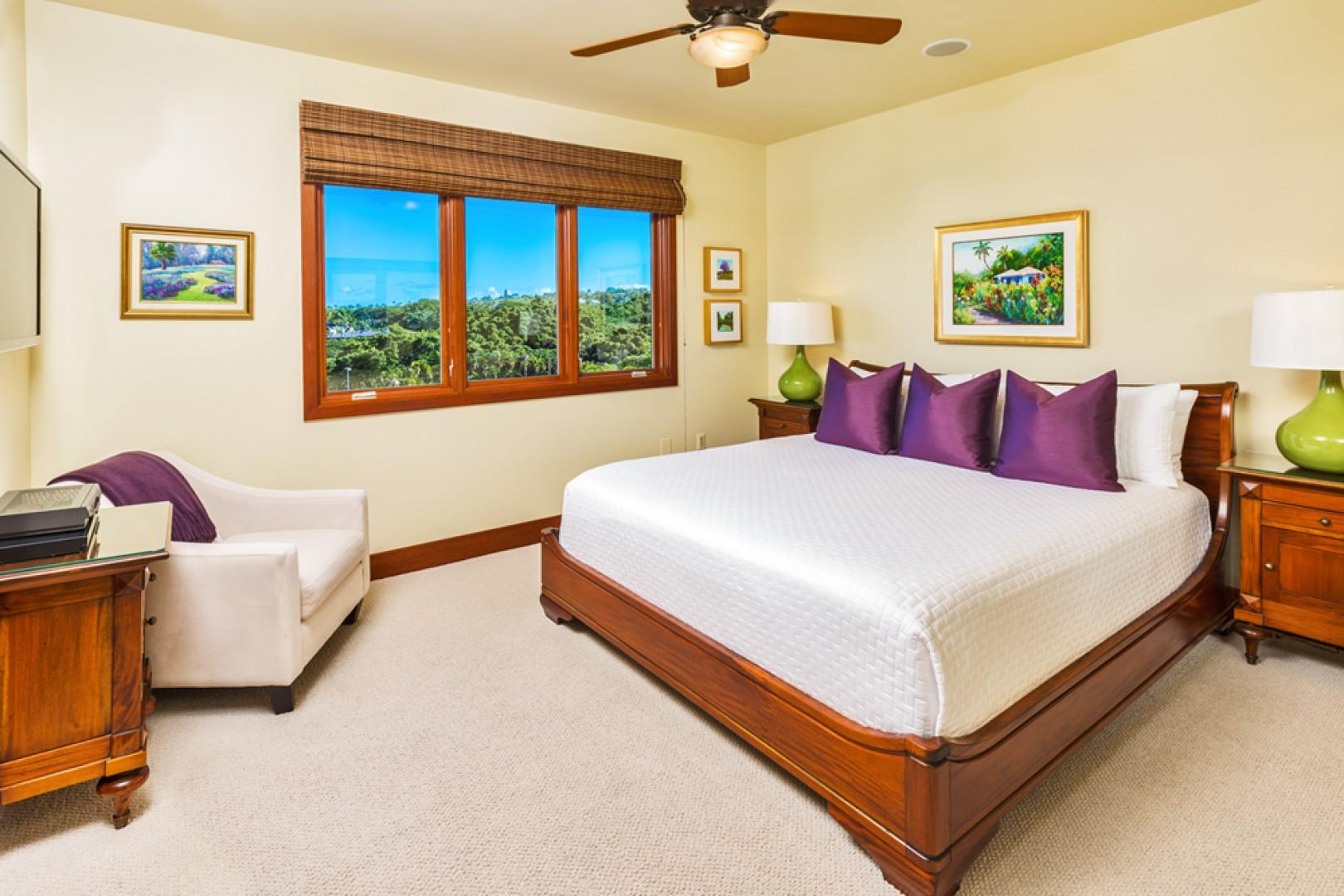 L509 Sandcastles Suite Second Master Bedroom with King Bed, Walk-In Closet and En-Suite Private Bath. Original Oil Paintings by George Allen and Jan Shaner - 2 of Maui's award-winning and celebrated artists.