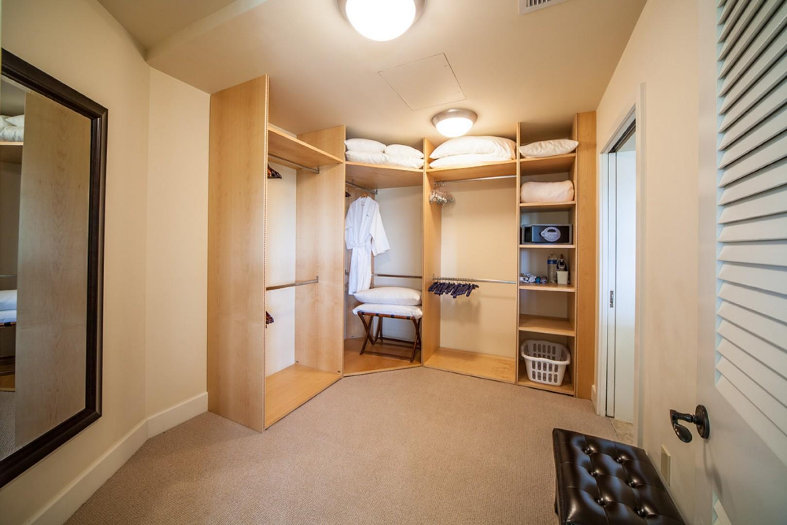 Blue Horizons K308 - Master Bedroom Walk-in Closet with Extra Pillows, Blankets, Abundant Hangers, Safe, Iron/Board