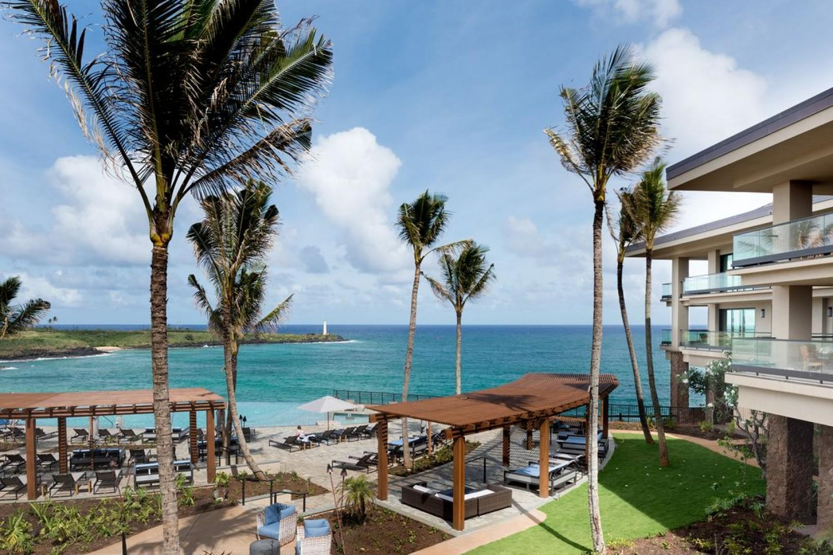The grounds at Hokuala offer an unparalleled luxury Hawaiian vacation experience.