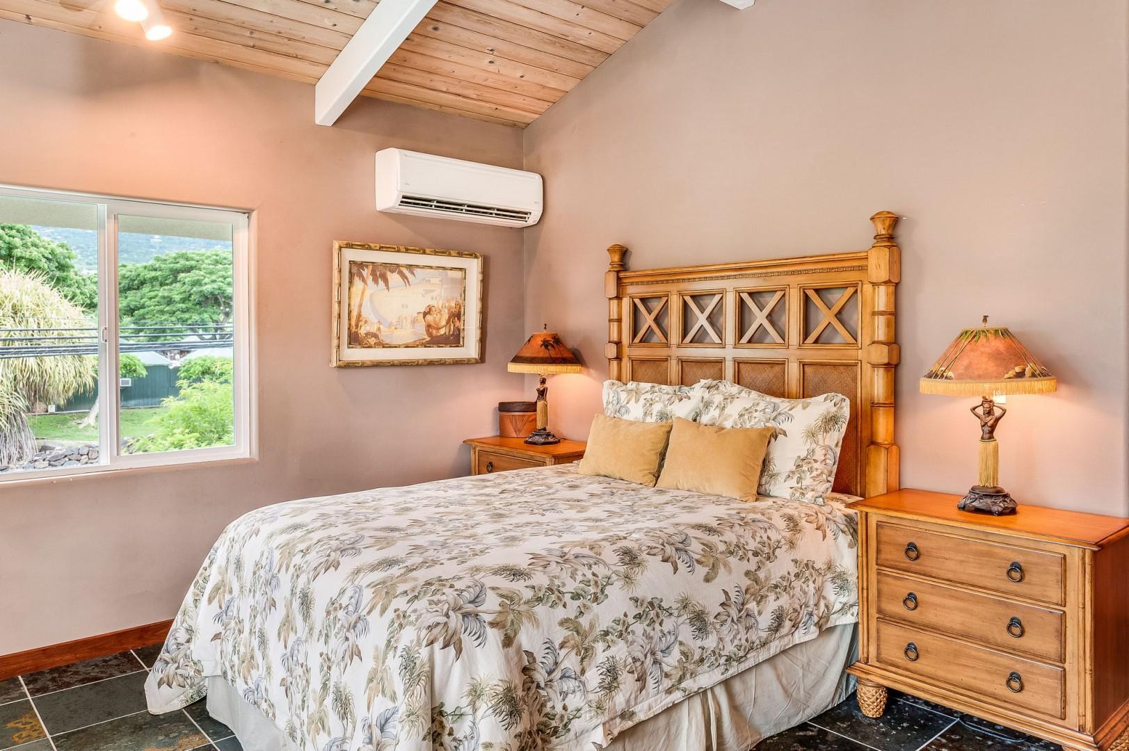 Hale Hoku sleeping quarters with Queen bed
