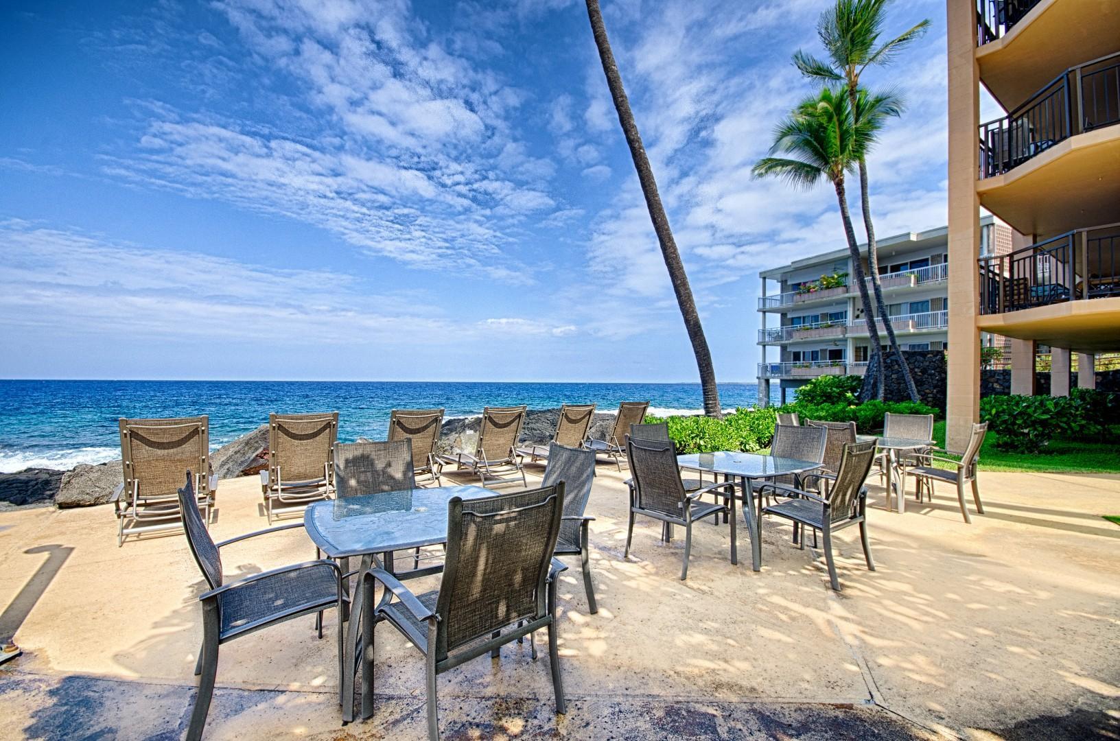 Kona Makai communal dining by the ocean!