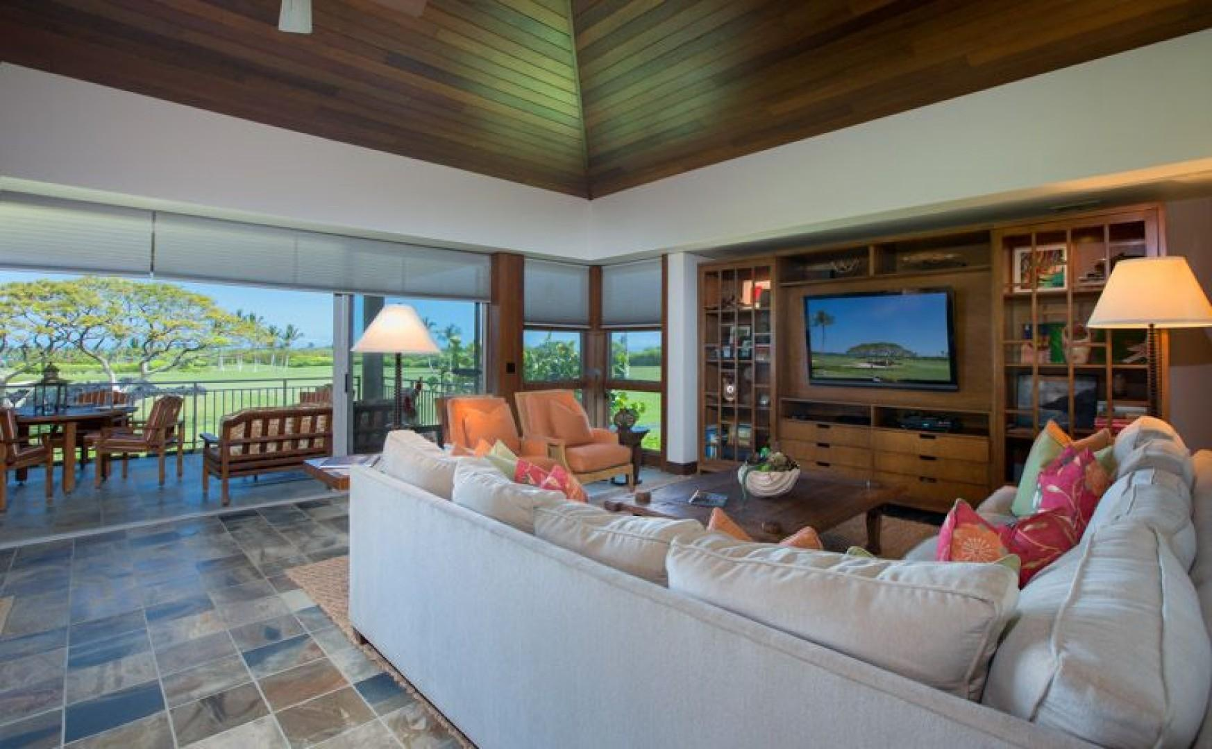 Great Room with views to the Lanai