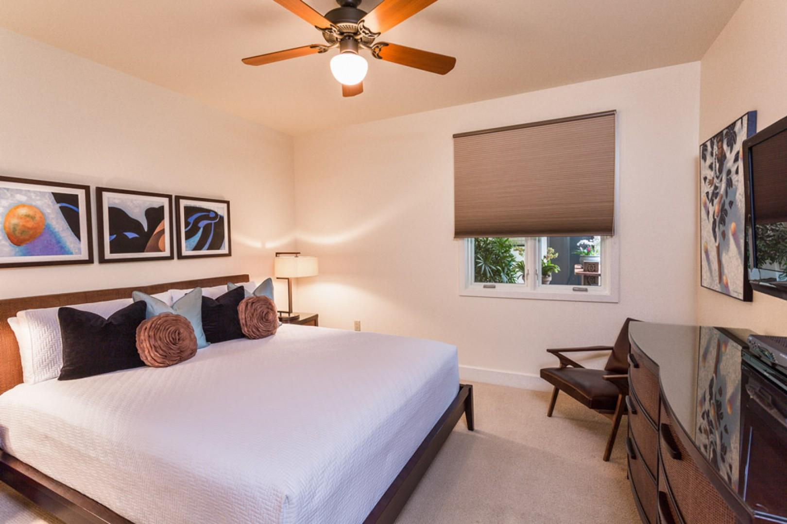 Second king bedroom suite, with private bath, HD cable TV, and DVD.