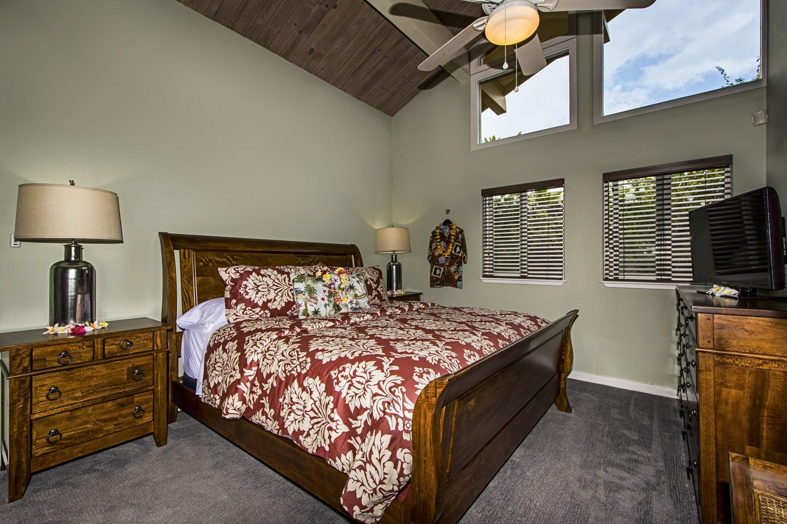 Kona Coffee Bedroom equipped with King bed and A/C!
