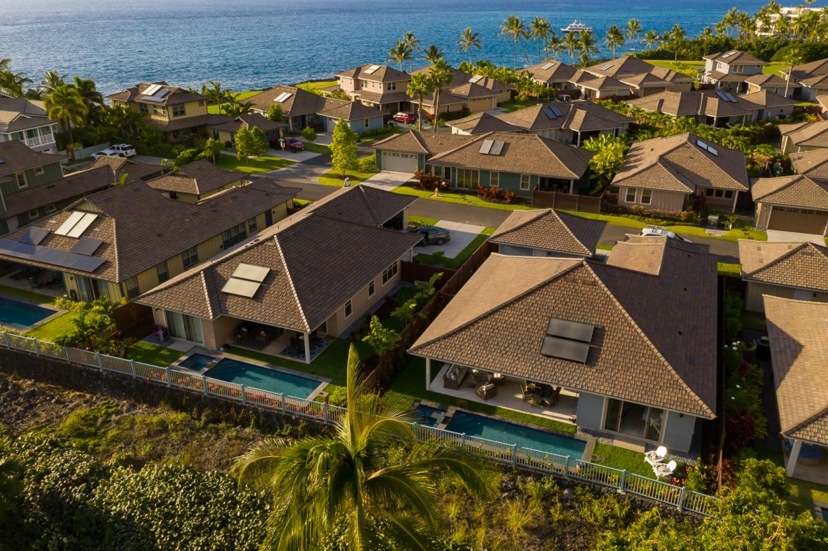 The home is only a 10-minute walk from Keauhou Bay