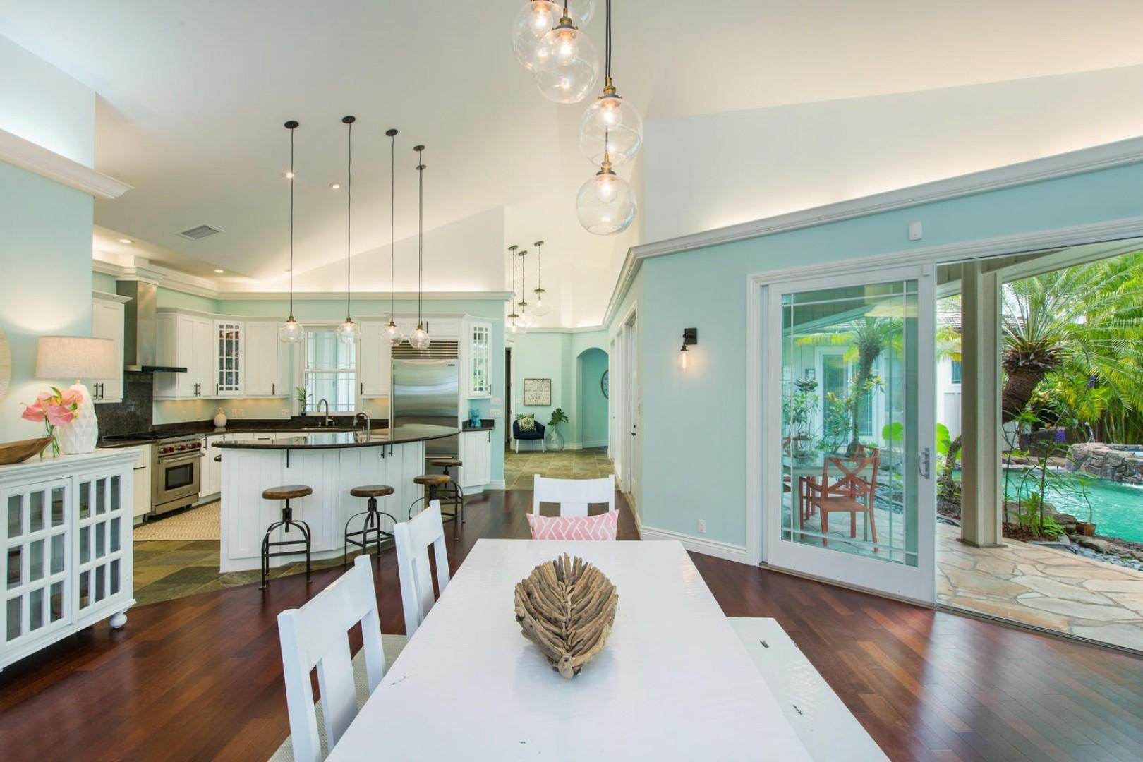 Dining room/kitchen.