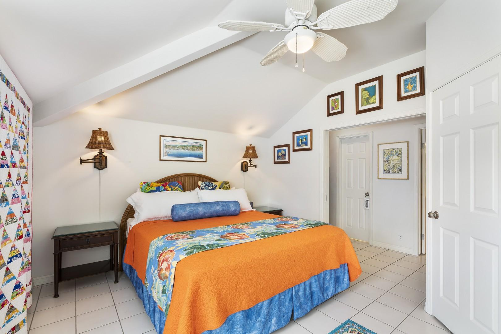 Guest bedroom with A/C and Queen bed