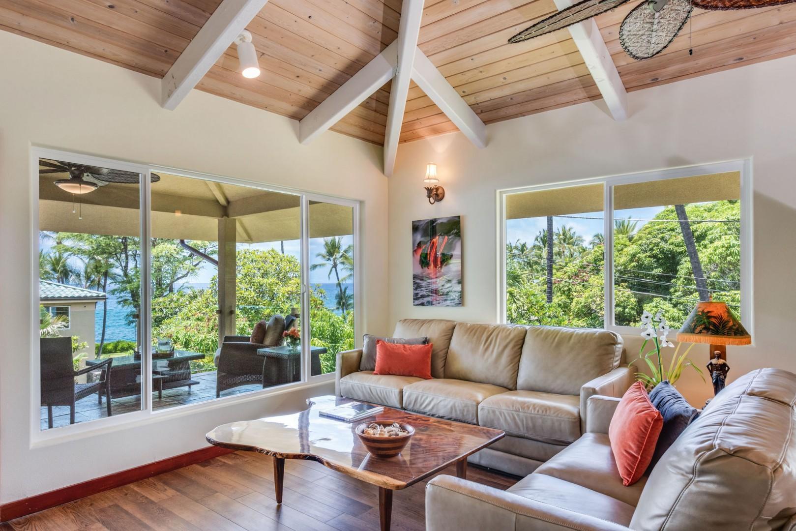 Hale Honu Living room