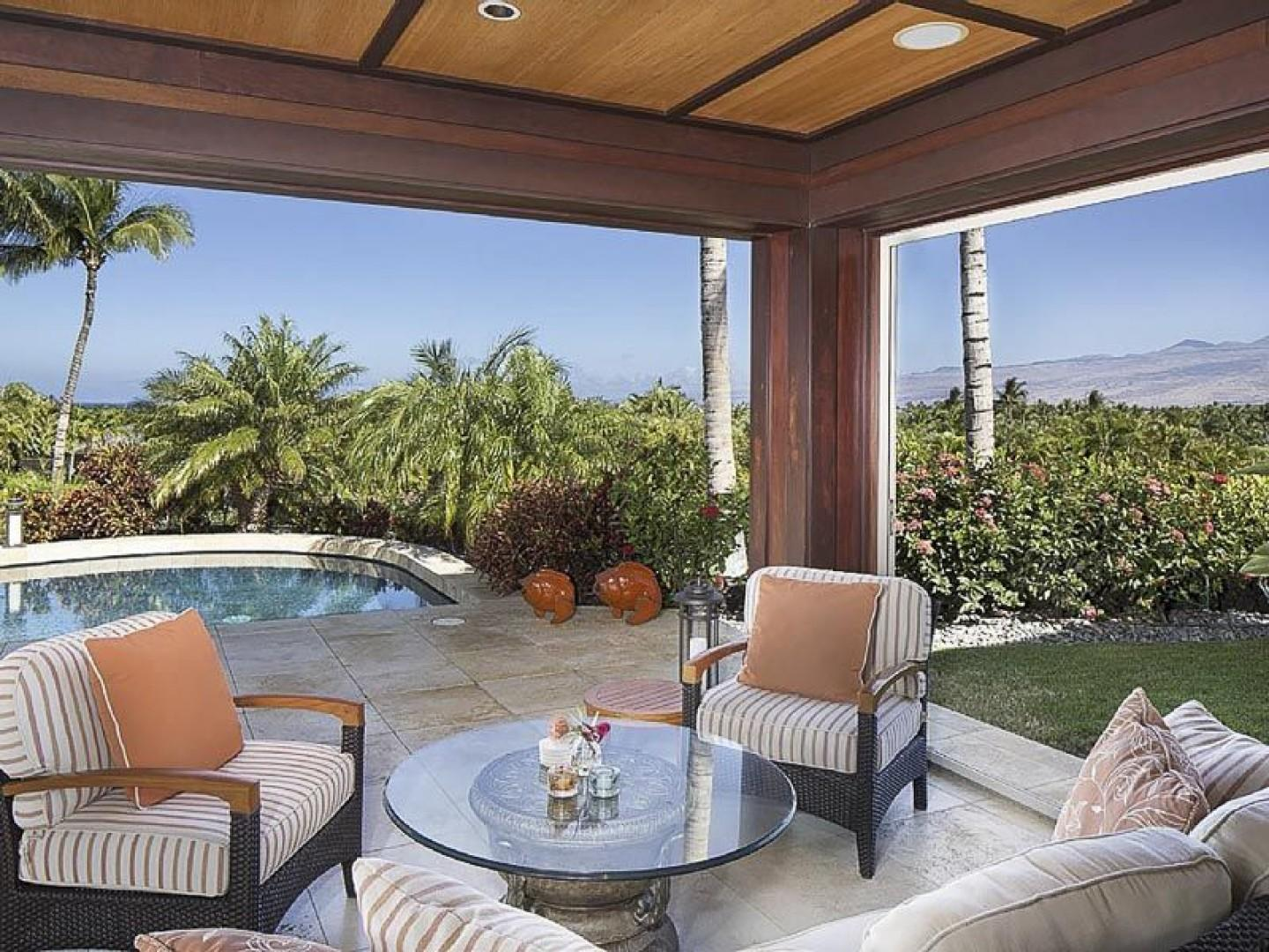 Outdoor Cabana by The Pool