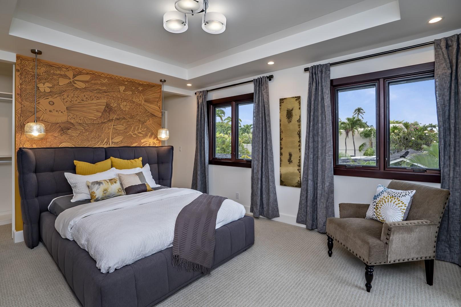 Guest Bedroom Upstairs Queen
