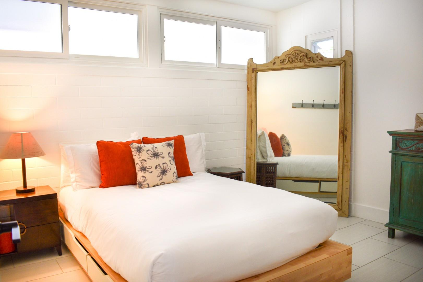 Main house bedroom 3, full bed